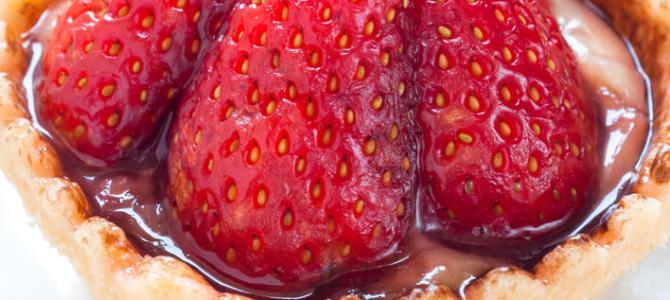 Bite-size Custard Tarts with Strawberries